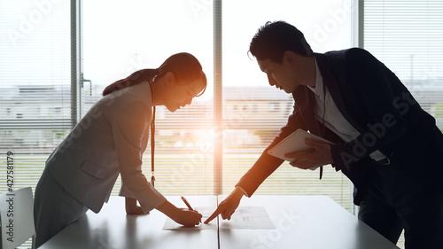 Fotografie, Obraz ミーティングするビジネスパーソン チームワーク
