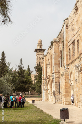 Stampa su Tela The south part the Temple Mount and the Bab el Ghawanima Minaret in the Old Town