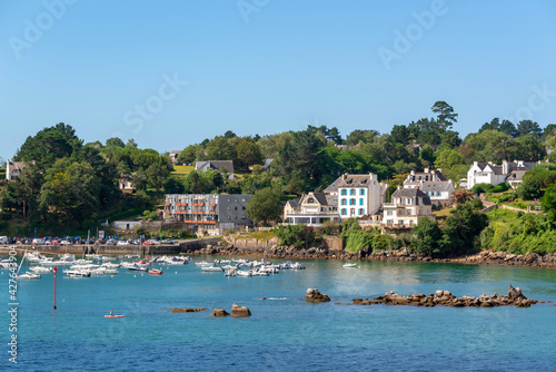 View of the scenic port of Port Manech in Finistère, Brittany, France Fotobehang