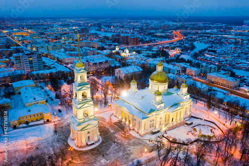Fotografia Night aerial view of reconstructed Orthodox Spassky Cathedral in Russian city of Penza in winter