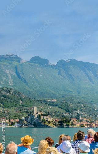Obraz na płótnie Beautiful peaceful lake Garda, Italy.