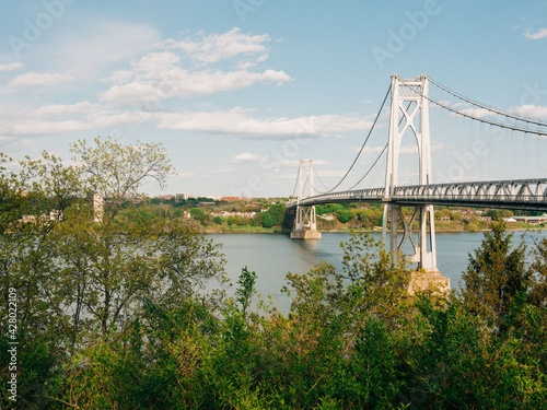 Fotografía The Mid-Hudson Bridge and Hudson River, in Poughkeepsie, the Hudson Valley, New