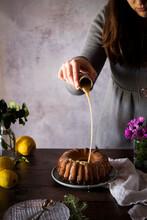 Bundt Cake Lemon Drizzle