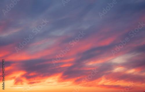 Valokuvatapetti Colorful sky sunset over the city