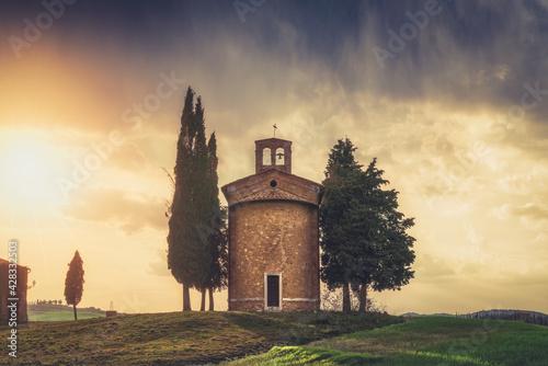 Fototapeta Chapel of Vitaleta (Cappella della Madonna di Vitaleta), Siena, Tuscany, Italy obraz