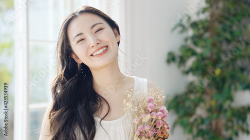 Billede på lærred 花束を持つ女性 ウェディングイメージ