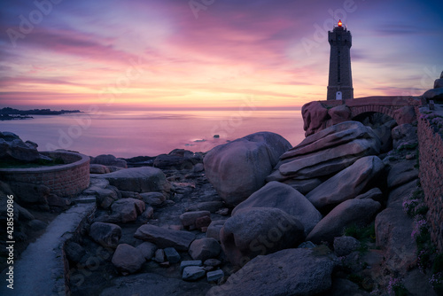 Fotografia The Ploumanac'h lighthouse at sunset, Brittany, France