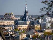 Versailles Vu De Loin