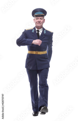 Photo air force officer striding forward. isolated on a white