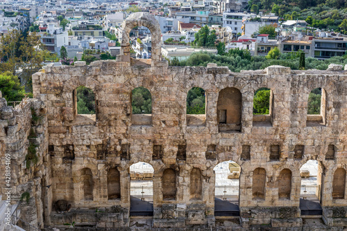 Odeon of Herodes Atticus in Acropolis, remains of ancient citadel in Athens, Gre Fotobehang