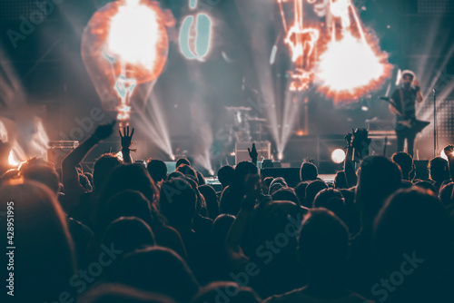Crowd at concert - summer music festival - fototapety na wymiar