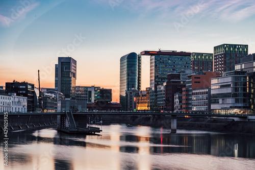 Medienhafen Düsseldorf - fototapety na wymiar