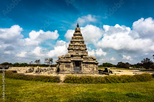 Canvas Print Shore temple built by Pallavas is UNESCO`s World Heritage Site located at Mamallapuram or Mahabalipuram in Tamil Nadu, South India