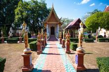 Wat Mae La Nuea Temple, Phrae Province, Thailand. (Publie Domain.)