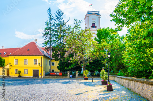 Foto View of the bishop castle in the hungarian city gyor