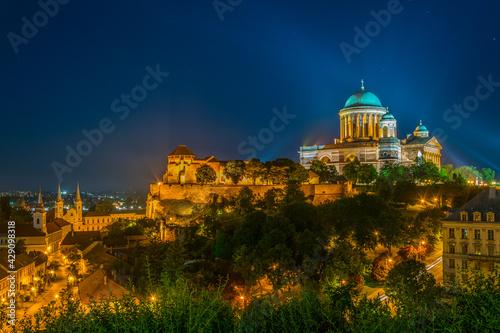 Fototapeta Night view of the famous basilica of esztergom, Hungary