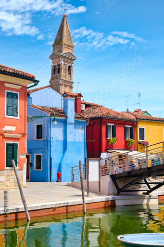 Canvas Print Colorful houses and canals on the island of Burano near Venice
