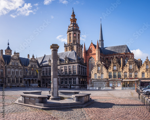 Stampa su Tela Veurne, West Flanders, Belgium - 04 06 2021: View of the market square (Grote Ma
