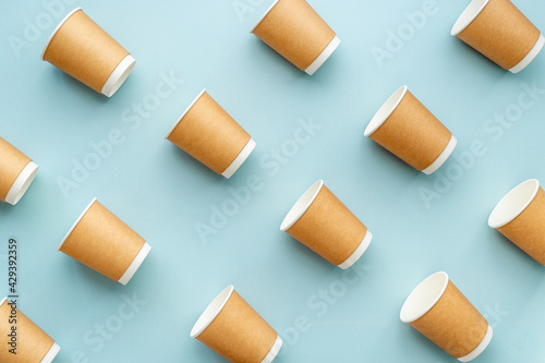 Papel de parede A lot of paper cups for take away coffee or tea