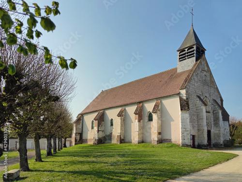 Canvas Print Laduz (Yonne), l'église date du XIIIème