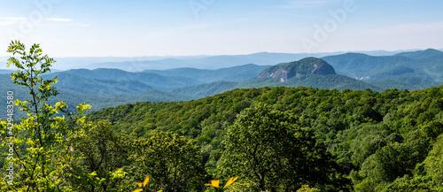 Valokuva Looking Glass Rock Viewed Along the Blue Ridge Parkway in the Appalachian Mounta