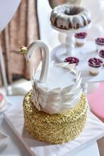 White Gold Swan Cake Bird