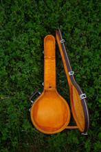 Empty Banjo Case In Green Clover