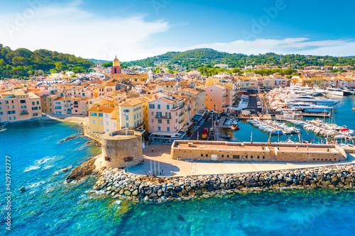 Fotomural View of the city of Saint-Tropez, Provence, Cote d'Azur, a popular travel destin