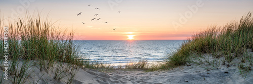 Dune beach panorama at sunset - fototapety na wymiar