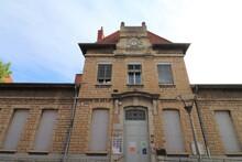 L'école Maternelle Anatole France Dans Le Quartier De Montchat, , Vue De L'extérieur, Ville De Lyon, Département Du Rhône, France