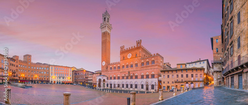 Obraz na plátně Piazza del Campo in Siena, Italy