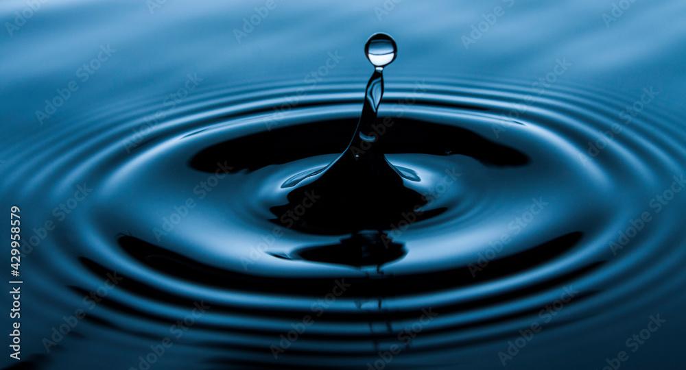Fototapeta Woda, kropla, wzburzona tafla wody