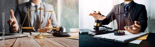 Fotografia Close up of hand lawyer working signing contract paper with wooden gavel judge in the office