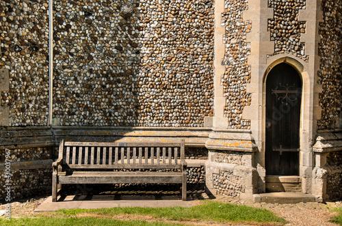 Carta da parati St. Peters church entrance to graveyard ( Felsham-Suffolk)