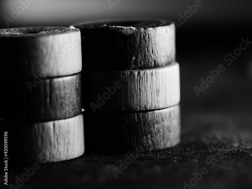 Fotografia Black and white studio shot of backgammon figures