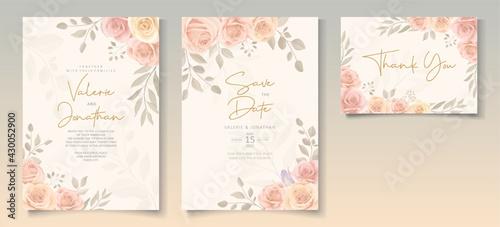 Slika na platnu Elegant wedding invitation template with soft color blooming roses flower