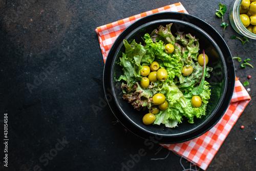 Fotografiet salad olives leaves green petals lettuce mix fresh healthy appetizer trend diet meal snack copy space food background rustic
