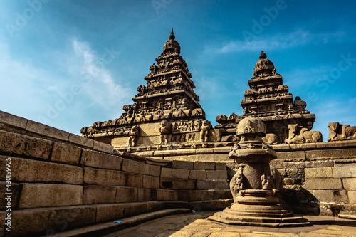Photo Shore temple built by Pallavas is UNESCO`s World Heritage Site located at Mamallapuram or Mahabalipuram in Tamil Nadu, South India