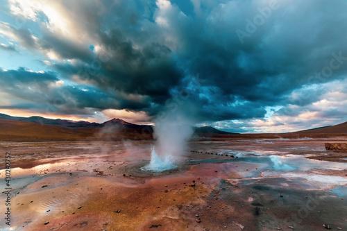 El Tatio geysers at sunrise, Atacama desert, Chile. Fototapet