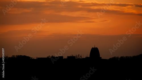 Panorama Warszawy Panorama wilanowa podczas złotego zachodu słońca - fototapety na wymiar