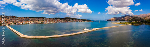 Fotografie, Obraz Aerial view of the De Bosset Bridge in Argostoli city on Kefalonia island