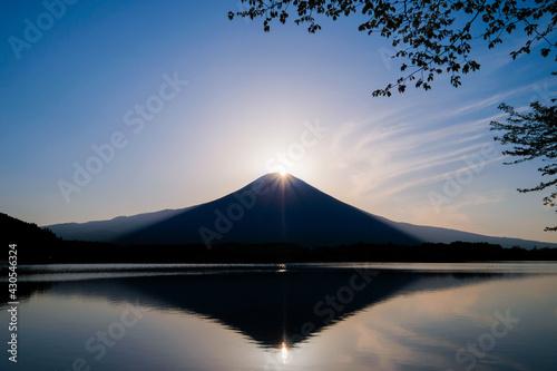 Leinwand Poster 静岡県富士宮市田貫湖のダイヤモンド富士