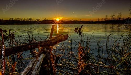 Sunset on the Water - fototapety na wymiar
