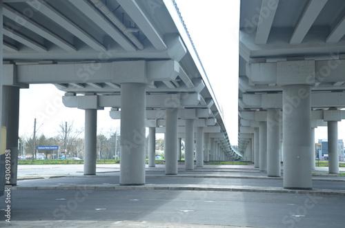 architektura, kolumna, budowa, brydż, gród, droga, kolumna, beton, korytarz, autostrada, budynek, miejski, nora, podróż, opróżnić, droga, niebo, wnętrza, perspektywa, przewóz, ulica, budowa, przewozy, - fototapety na wymiar