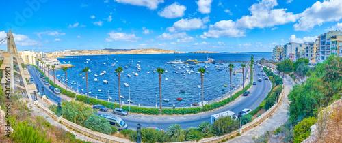 Fotografie, Tablou The upper tier of Dawret Il-Gzejjer promenade in Bugibba, Malta