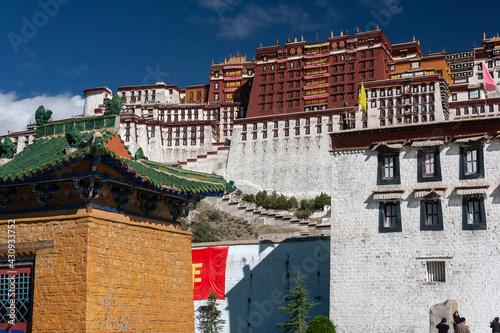 The Potala Palace - Lhasa - Tibet Poster Mural XXL