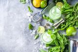 Fototapeta Kawa jest smaczna - Basil smash gin cocktail