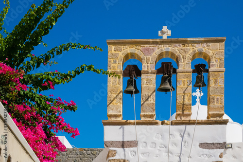 Foto Belfry of  the Orthodox church on the island of Patmos. Greece.