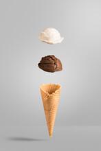 Cono Gelato Panna E Cioccolato- Sfondo Mockup