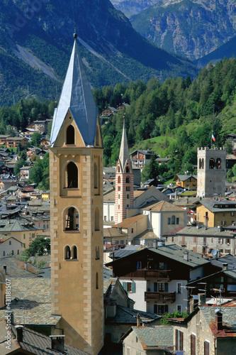 Campanili e torre civica a Bormio, Bell towers and civic tower in Bormio Fototapete
